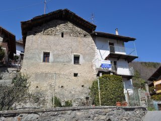 Foto 1 di Casa indipendente Frazione Vignil, Quart