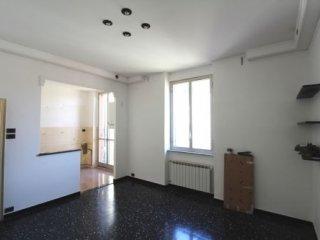 Foto 1 di Appartamento via Revello, Genova