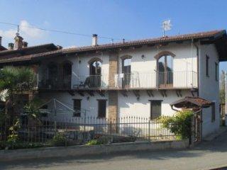 Foto 1 di Casa indipendente Via Ceresa, Busca
