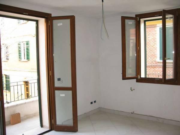 Foto 5 di Bilocale Via Liguria, Bologna