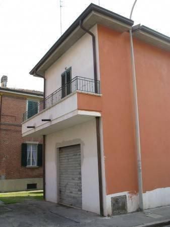 Foto 10 di Bilocale Via Liguria, Bologna