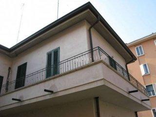 Foto 1 di Bilocale Via Liguria, Bologna