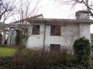 Foto 1 di Villa VIA MIGLIOLI, Cremona