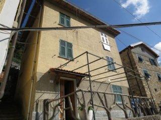 Foto 1 di Casa indipendente Località Carsassina, Valbrevenna
