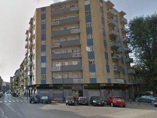 Foto 1 di Trilocale VIA CONTE DI ROCCAVIONE, Torino