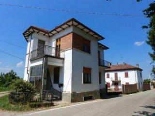 Foto 1 di Villa Via Montà 52, Portacomaro