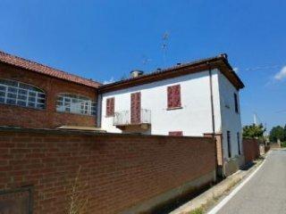 Foto 1 di Rustico / Casale Via Montà 52, Portacomaro
