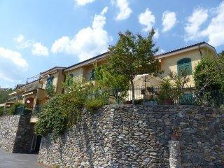 Foto 1 di Bilocale Tovo San Giacomo