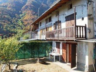Foto 1 di Rustico / Casale Borgata Combavilla, Inverso Pinasca