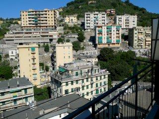 Foto 1 di Trilocale Via Al Poligono di Quezzi, Genova (zona Quezzi)