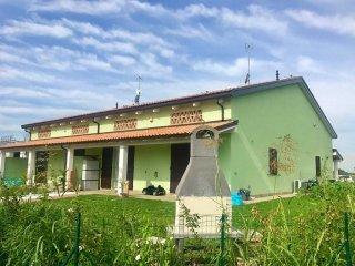 Foto 1 di Villetta a schiera strada Maretto 36, Parma