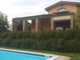 Foto 1 di Villa via Pietro da Lesignano, frazione Stadirano, Lesignano Dè Bagni