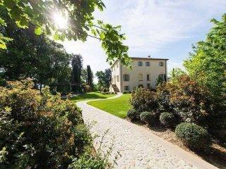 Foto 1 di Villa via Calanco, 65, Dozza