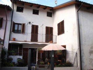 Foto 1 di Casa indipendente via Camillo Benso Conte di Cavour 12, frazione San Genuario, Crescentino