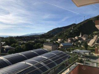Foto 1 di Trilocale via Borzoli, Genova (zona Borzoli)
