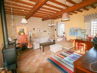 Foto 1 di Appartamento via Michelangelo Buonarroti, Guiglia