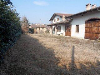 Foto 1 di Villa Frazione Valunga, Santo Stefano Roero
