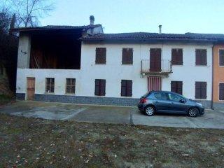 Foto 1 di Rustico / Casale via Montà, frazione Gherba, Ferrere