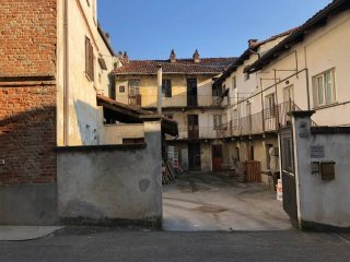 Foto 1 di Palazzo / Stabile via Torquato Tasso, San Damiano D'asti