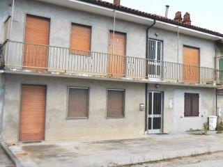 Foto 1 di Casa indipendente via San Giacomo 33, Montaldo Roero
