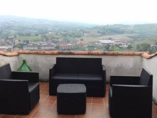 Foto 1 di Trilocale via Valle, Castagnole Delle Lanze