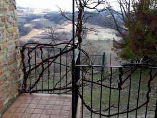 Foto 1 di Rustico / Casale via Monforte, Roddino