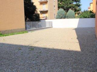 Foto 1 di Box / Garage via Bruno Arnaud, Bologna (zona Bolognina)