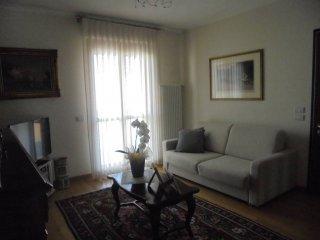 Foto 1 di Appartamento strada provinciale, Grinzane Cavour