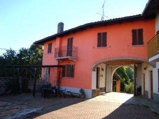 Foto 1 di Casa indipendente via Regina Margherita 20, frazione Rosingo,  Cerrina Monferrato