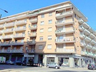 Foto 1 di Quadrilocale via MONGINEVRO 174, Torino (zona Cenisia, San Paolo)