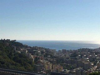 Foto 1 di Quadrilocale via 3 pini, Genova (zona San Desiderio)