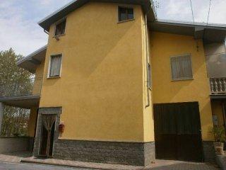 Foto 1 di Villa strada Provinciale 183 12, Monastero Di Vasco