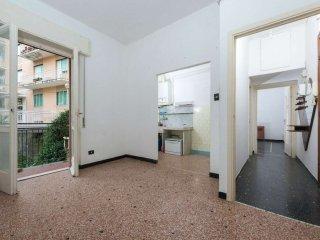 Foto 1 di Bilocale via del Manzasco 10, Genova (zona San Fruttuoso)