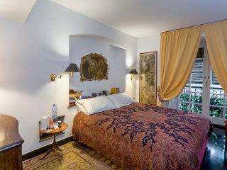 Foto 1 di Appartamento via garibaldi, Genova (zona Centro, Centro Storico)
