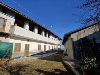 Foto 1 di Casa indipendente Località Mompiola, Verrua Savoia