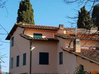 Foto 1 di Casa indipendente via Vincenzo Bellini, Castagneto Carducci