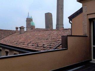 Foto 1 di Attico / Mansarda via Guglielmo Oberdan, Bologna (zona Centro Storico)