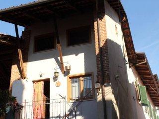 Foto 1 di Casa indipendente vicolo Buffino, Agliè