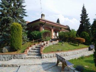Foto 1 di Villa Località Case Cocetti 109, frazione Case Cocetti, Verrua Savoia