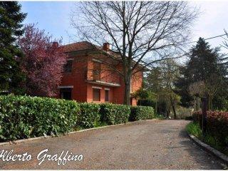Foto 1 di Casa indipendente Località Canova 23, Asti