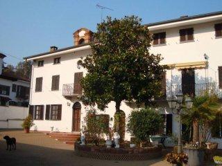 Foto 1 di Casa indipendente Località Sulpiano 8, Verrua Savoia
