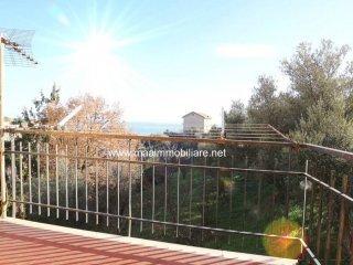 Foto 1 di Trilocale via Costa 87, Celle Ligure