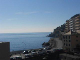 Foto 1 di Trilocale salita Nicolò Biagi, Genova (zona Voltri)