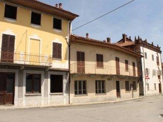Foto 1 di Casa indipendente vicolo Cassano, Castellamonte