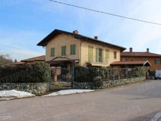 Foto 1 di Quadrilocale via Cornaletto, Bairo