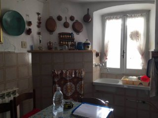 Foto 1 di Quadrilocale Borgo Santa Barbara, frazione Villa, Carpeneto