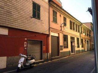Foto 1 di Casa indipendente piazza Riccardo De Caroli, Genova (zona Bolzaneto)