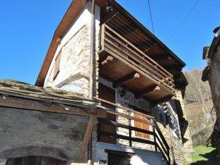 Foto 1 di Rustico / Casale Borgata Ferrieri, frazione Rue, Pramollo