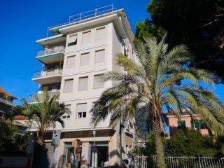 Foto 1 di Appartamento viale Francesco Tappani, Chiavari