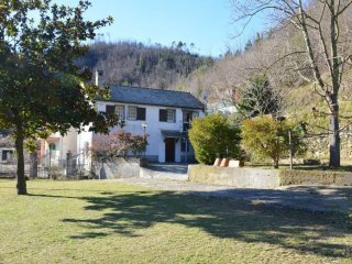 Foto 1 di Villa SP29, Savona
